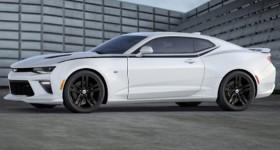 2016-Chevrolet-Camaro-White-Stripe-Accessory-Black-Wheels-720x340